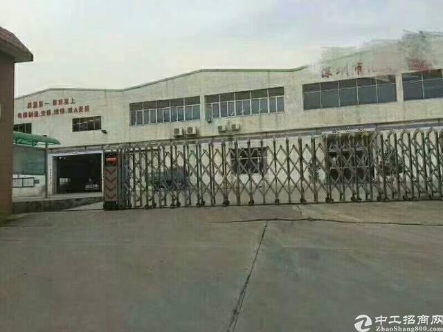 光明新区15000平方钢构厂房出租,合同期厂,高度十二米。