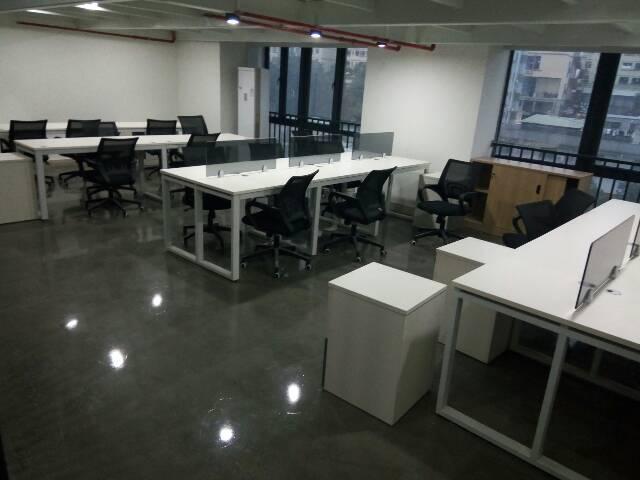 平湖未来地铁口新出精装修办公室98-169平米大小分租