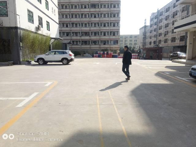 龙华大浪服装基地昱南通工业园,三楼1100平标准厂房招租