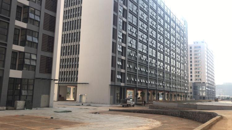 楼上厂房一整层3000平24元高新产业园
