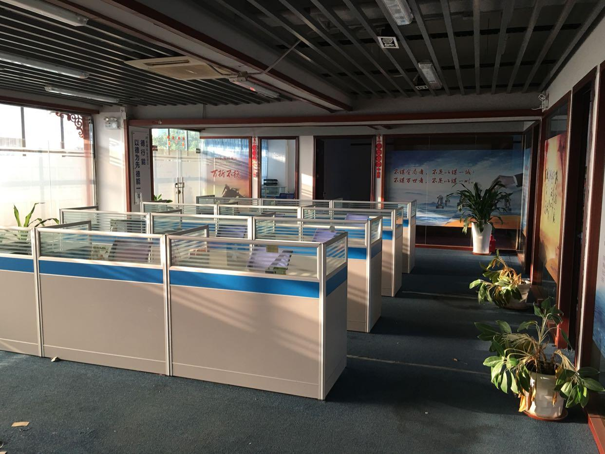 龙华深圳北站地铁口520平带价私办公室出租