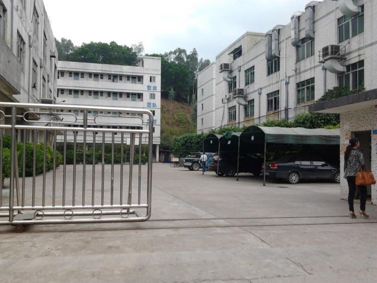 龙岗区清平高速口村委原房东的12000平方米独院厂房出租