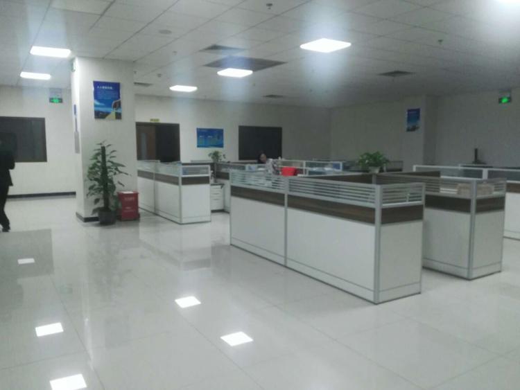 光明高新科技园2楼4000平方带红本精装修厂房出租
