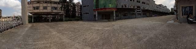 机场附近,独门独院,厂房1到3层,3万平方,出租。