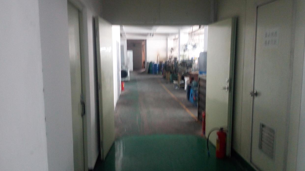 福永白石厦楼上1500平整层带装修招租
