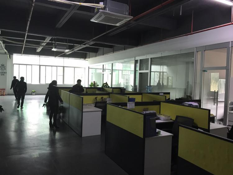 坂田五和大道边利金城工业区2480平带豪华装修厂房低价出租