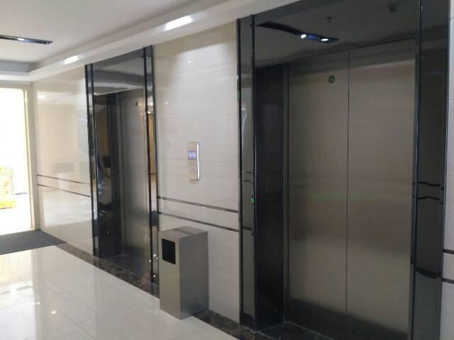 福永地铁站新出楼上400平精装修