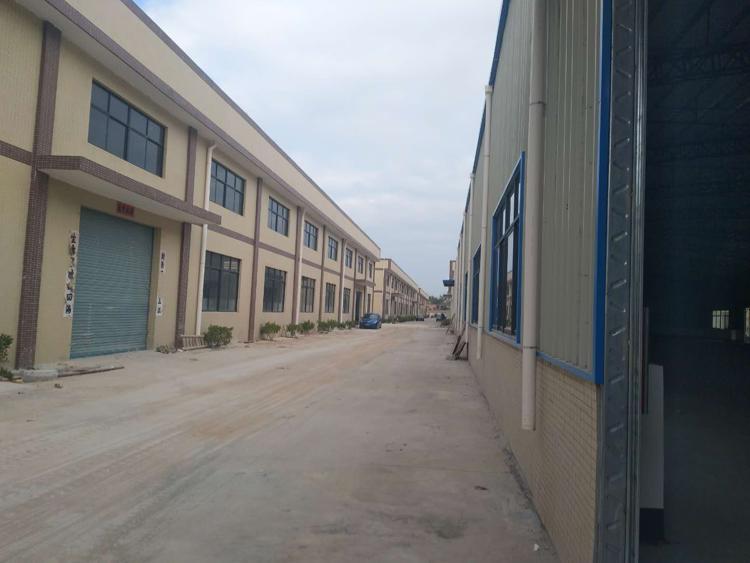 惠州新出2000钢构厂房中间无柱子空间大滴水8米可分租