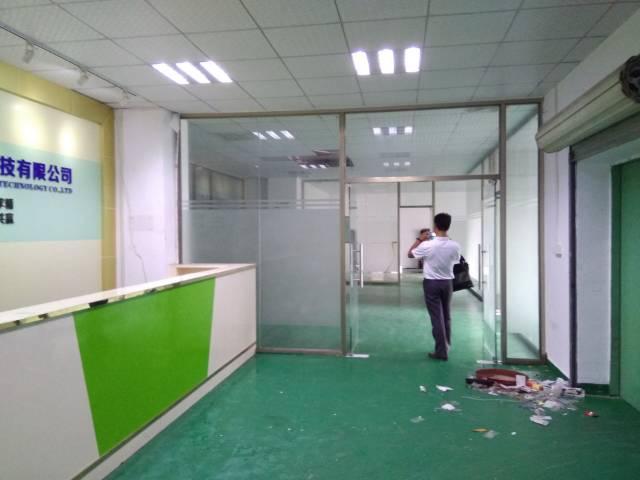 横岗地铁口新出村委独门独院厂房3800平米(可分租)