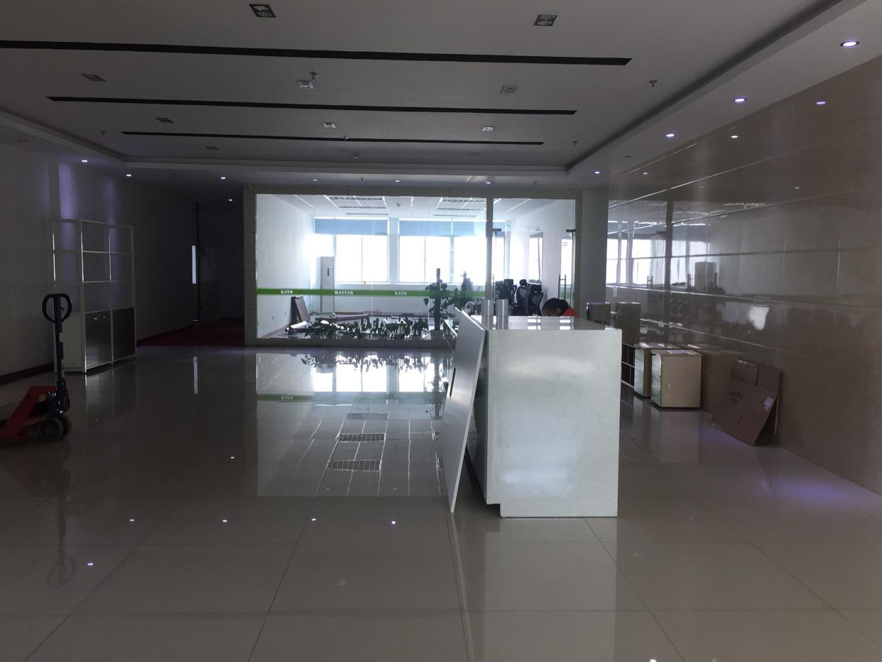 西丽天虹商场附近新出楼上2500平厂房出租