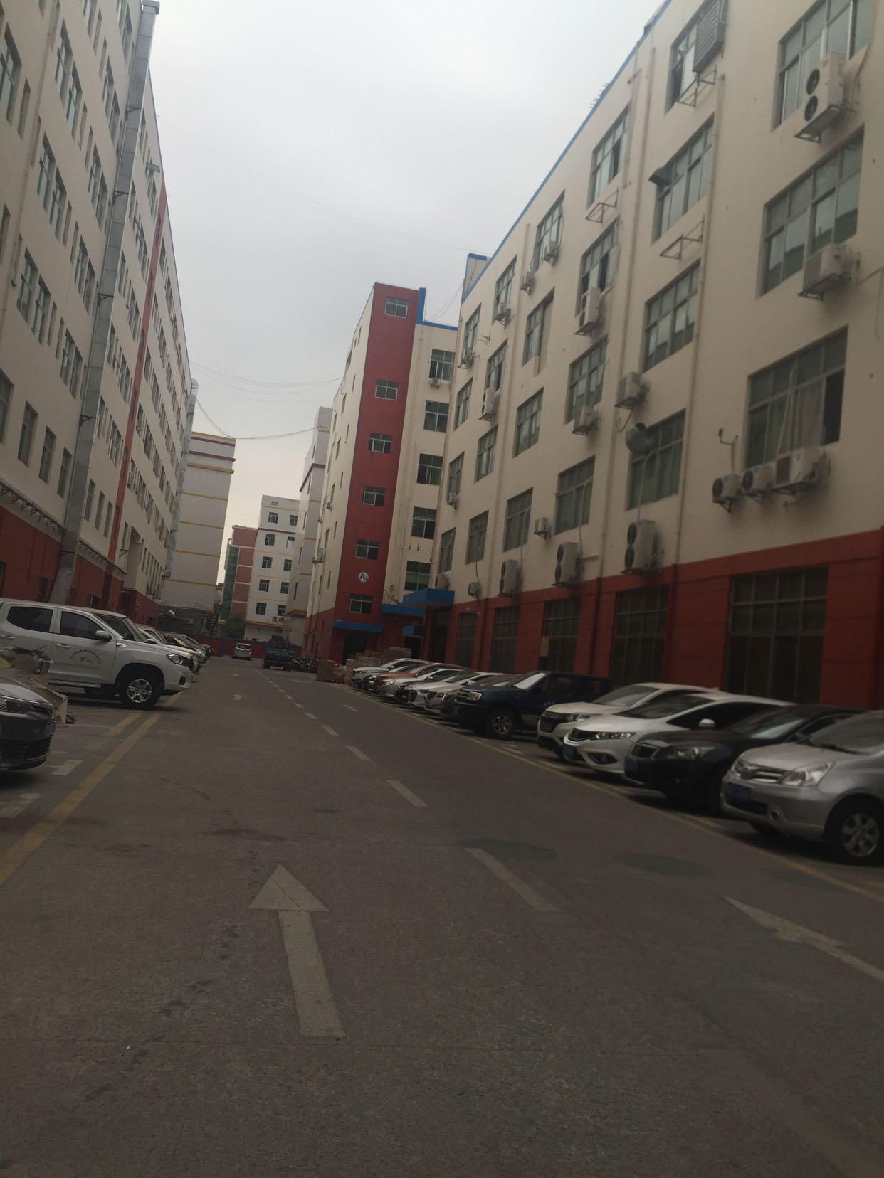 龙华上塘地铁站附近新出1500平带豪华装修厂房出租