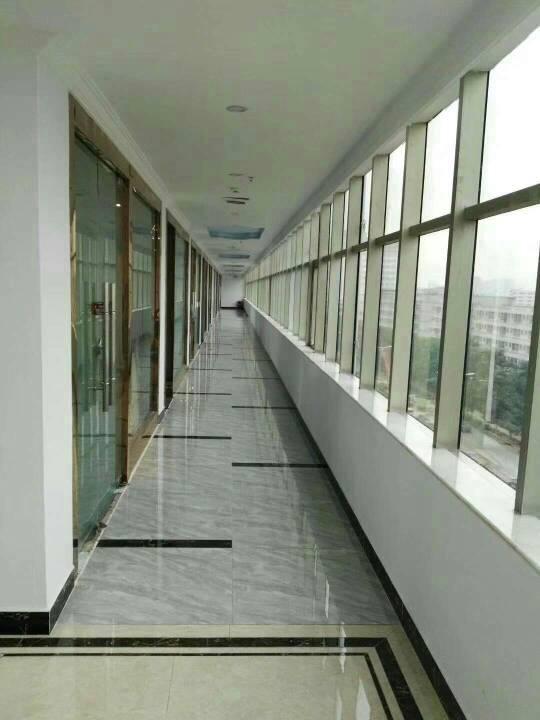 松岗地铁口全新写字楼隆重招商68平米起租