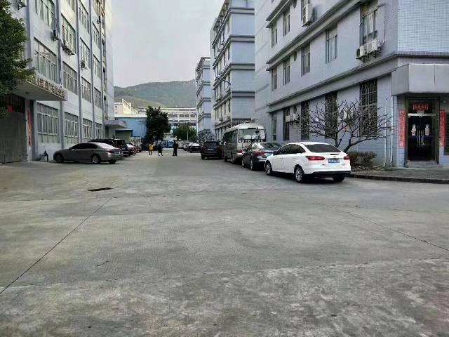 龙华红本厂房十万平正式对外招租,交通便利高速