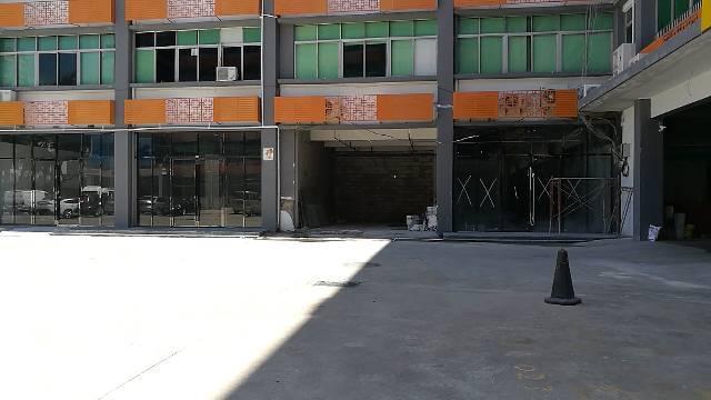 龙华,龙胜地铁站附近一楼3000平方厂房出租,228起租