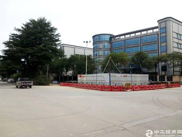 新出独院厂房1-4层面积约10240平方,空地2000平方
