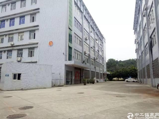 光明新区大型工业园区新出楼上2层单层面积1500