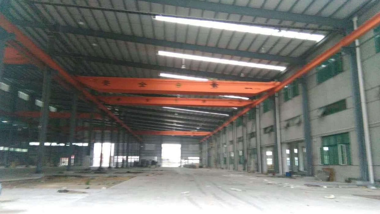 寮步新出2400平方带航车钢结构厂房