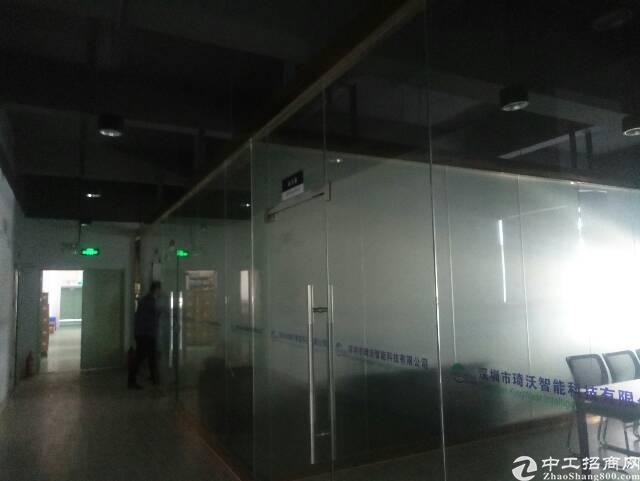 横岗六约塘坑地铁站新出1050平米精装修厂房可分租