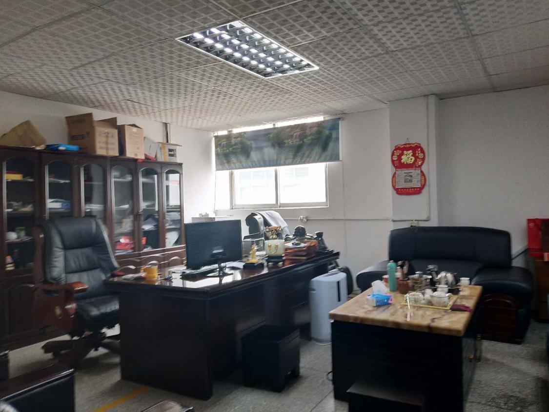 福永白石夏新塘工业区新出2楼550平方米带装修免转让费出租-图2