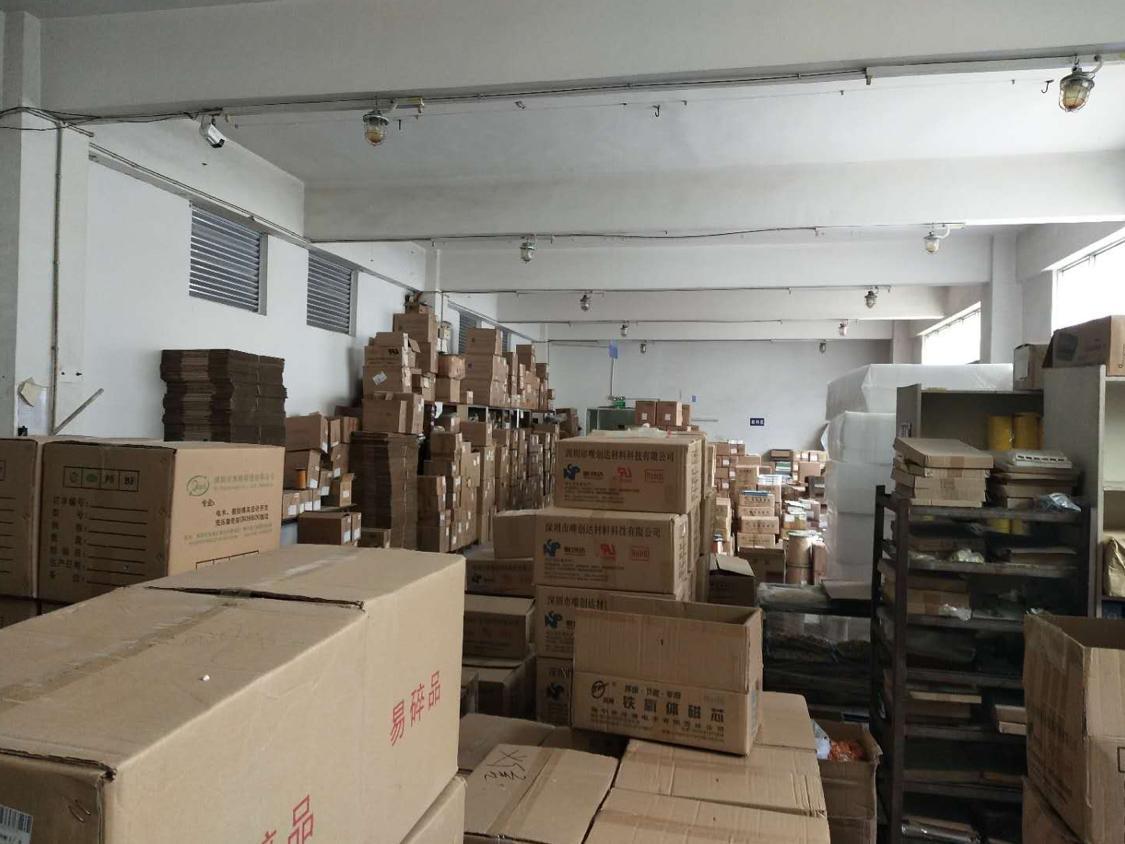 福永白石夏新塘工业区新出2楼550平方米带装修免转让费出租