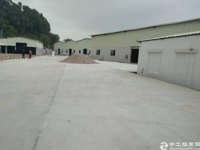 龙岗坪地工业园5000平钢构大小分租