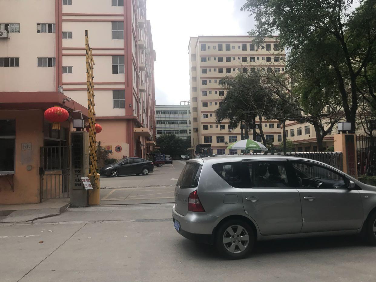 公明李松朗大型工业园内楼上1700平带装修厂房出租
