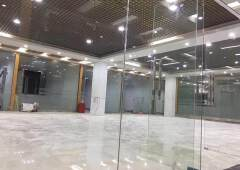 龙华龙胜地铁口旁新出880平带豪华装修可分租