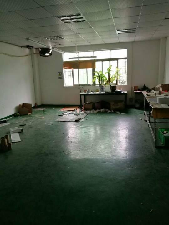 福永凤凰楼上200-400-600㎡厂房出租,园区独院空地大