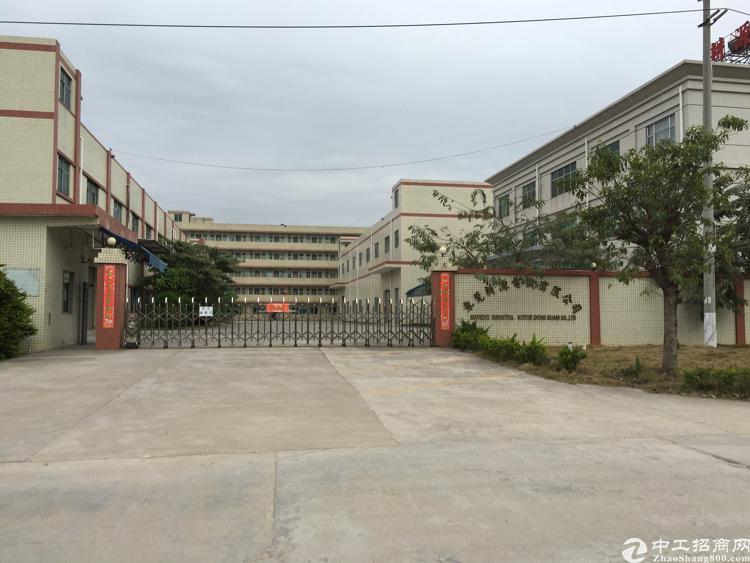 凤岗镇油甘埔工业区独栋标准厂房1-3层2500平方米出租