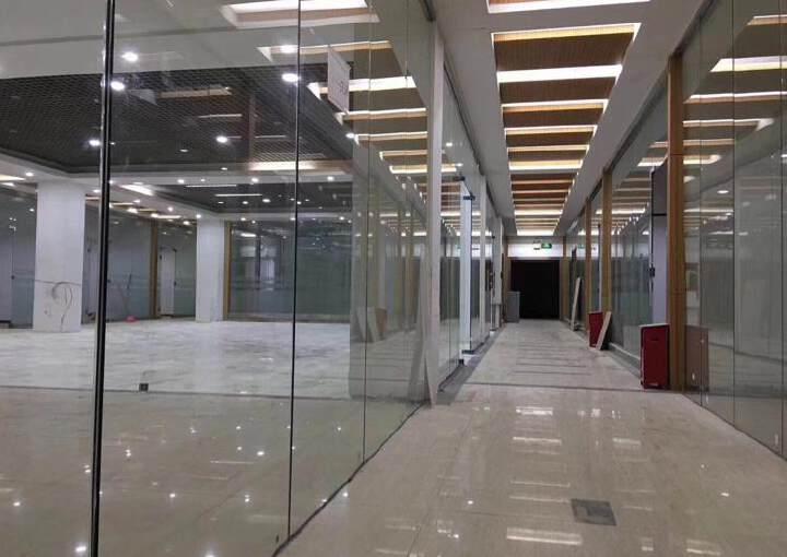 龙华龙胜地铁口旁新出880平带豪华装修可分租图片3