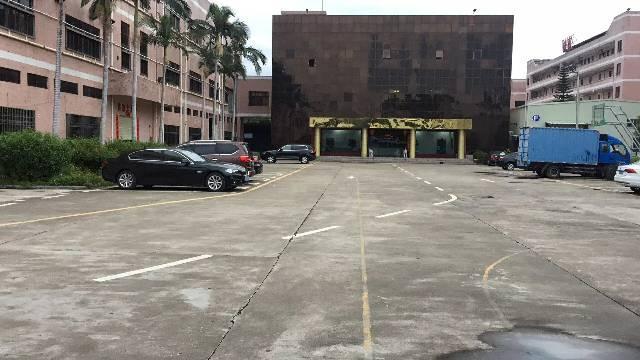 清溪镇标准厂房三楼2380平方带装修招租