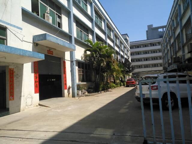 出租福永107国道附近4500平米独门独院1-3层原房东厂房