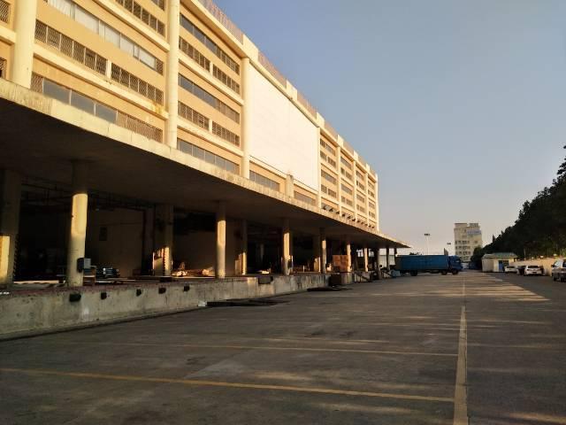 塘厦高速出口附近原房东带消防喷淋有卸货平台50000平米分租