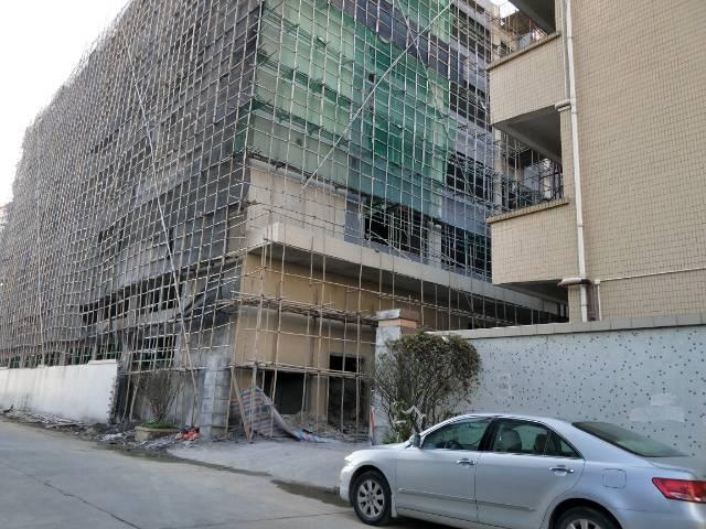 企石镇镇中心工业区独院标准厂房1-5层7500平方一楼6米