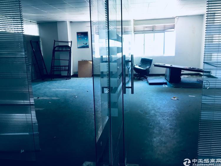 坑梓楼上1900平带现成办公室 地坪漆