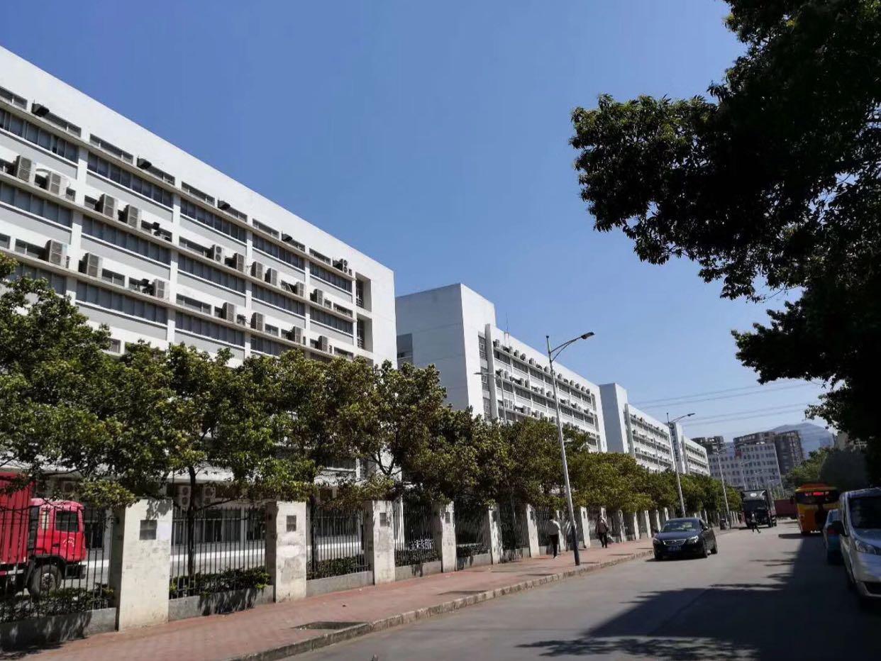 观澜大型工业区楼上1600平米出租