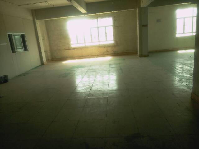 宿舍一楼厂房出租