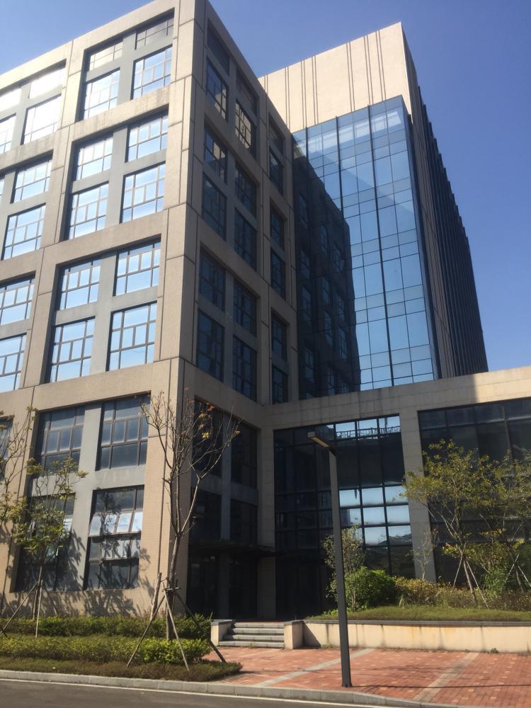 全新厂房合适企业总部,酒店