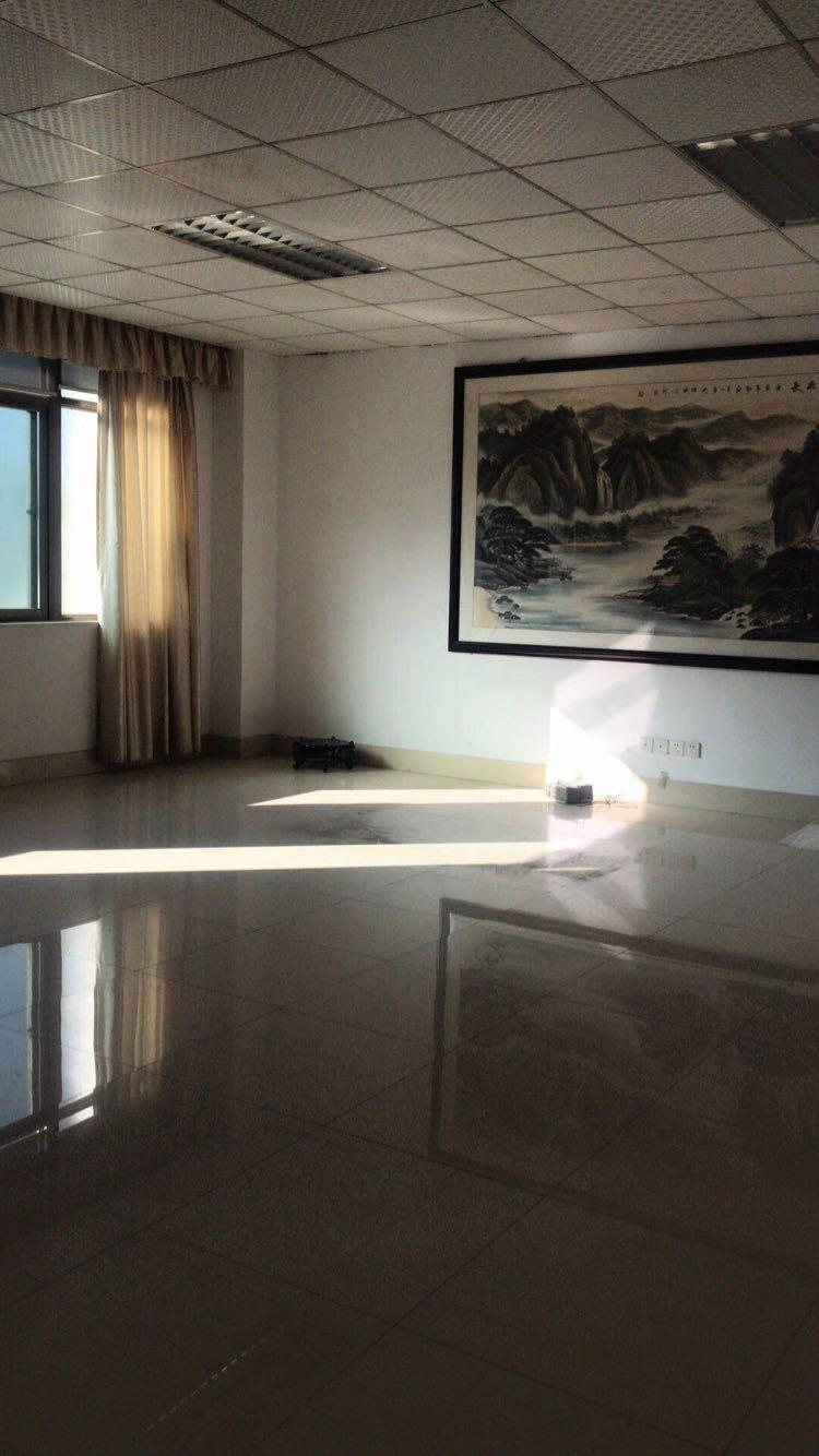 龙华清湖带装修写字楼550平