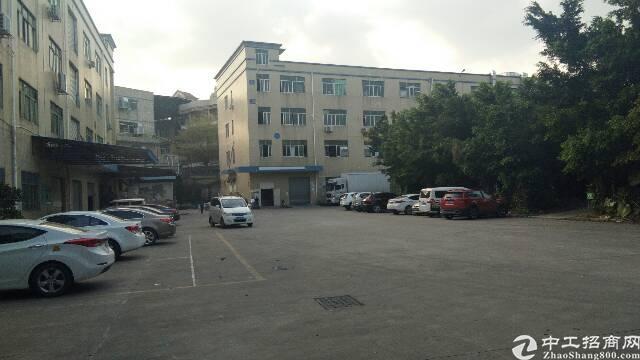 平湖辅城坳工业区1400平方标准厂房出租