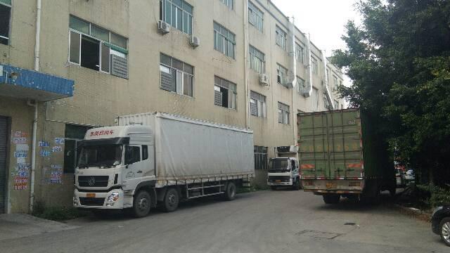 平湖华南城南门6米高一楼600平方标准厂房出租