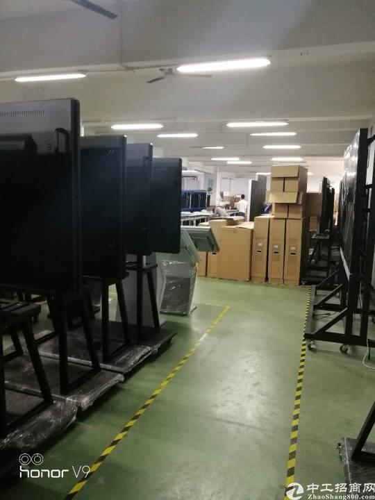 福永地铁口楼上1200带装修厂房出租