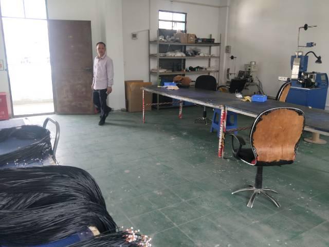 松岗精装修小面积厂房楼上300-600平米大小厂房