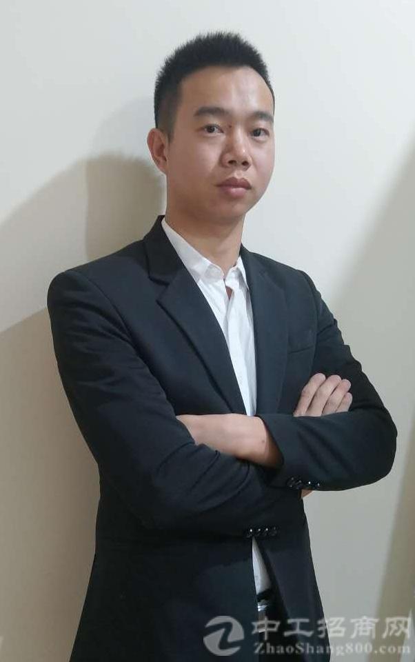 厂房经纪人罗栢胜