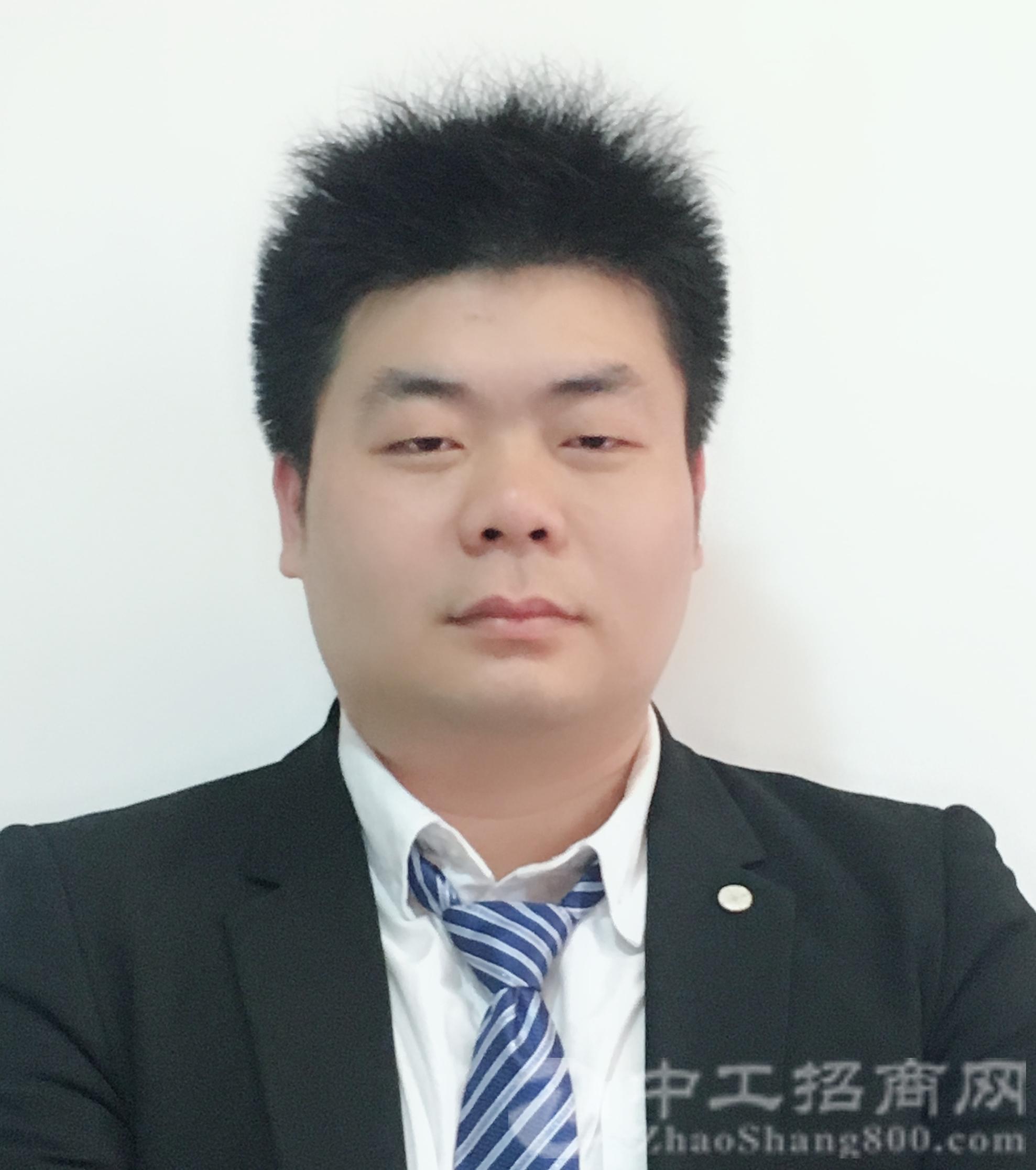 厂房经纪人郭泉