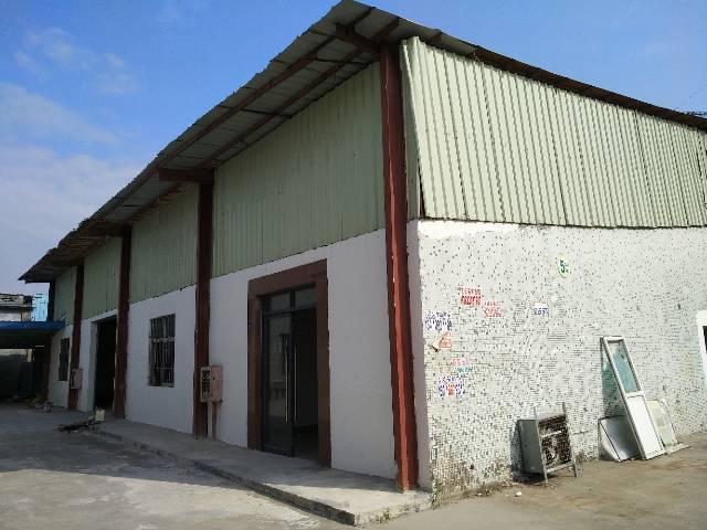 主干道边上独院钢构厂房出租,滴水6.5米空地大,面积实在