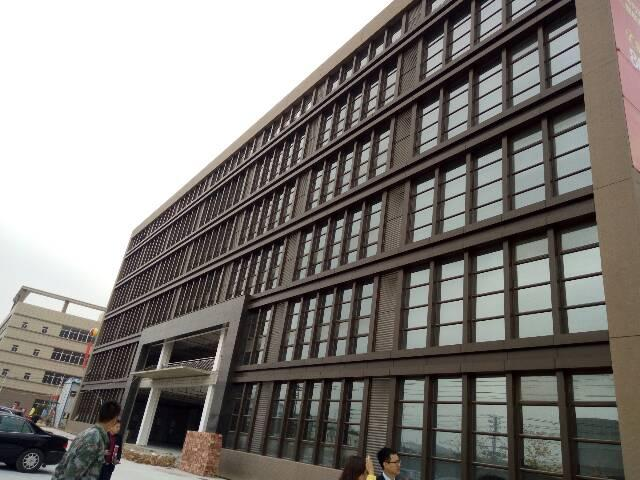 企石镇原房东独院1-4层4000平方,宿舍1600平方