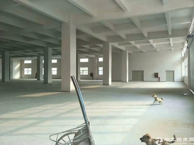 平湖辅城坳工业区一二楼2500平方