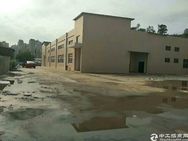 平湖辅城坳工业区一二楼4000平方