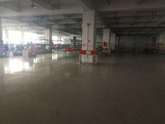 福永和平带装修楼上600平米厂房出租